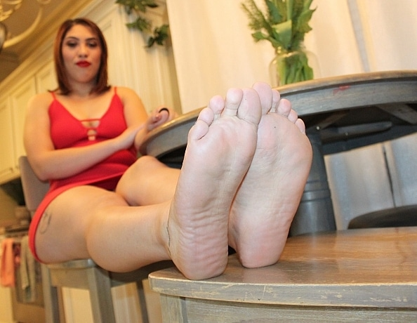 content/arias-first-foot-video/4.jpg