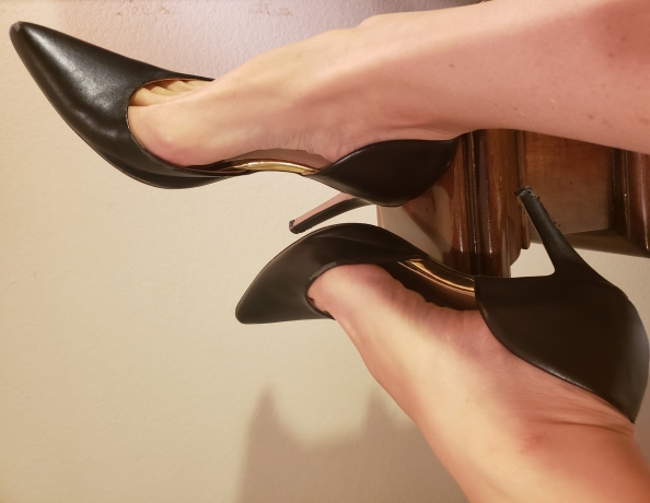 content/dominant-foot-worship-pov/1.jpg