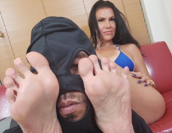 content/foot-party-slave-rewards/2.jpg