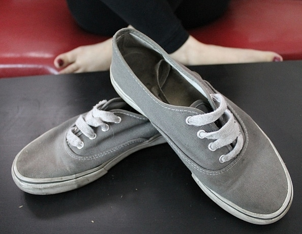 content/lanays-gray-canvas-shoes/1.jpg