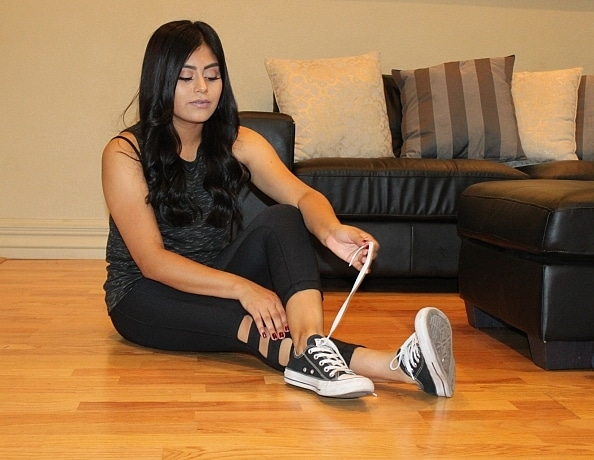 content/latina-feet-in-chucks/2.jpg