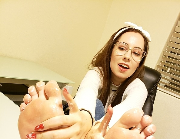 content/melanies-foot-lotion-massage/1.jpg