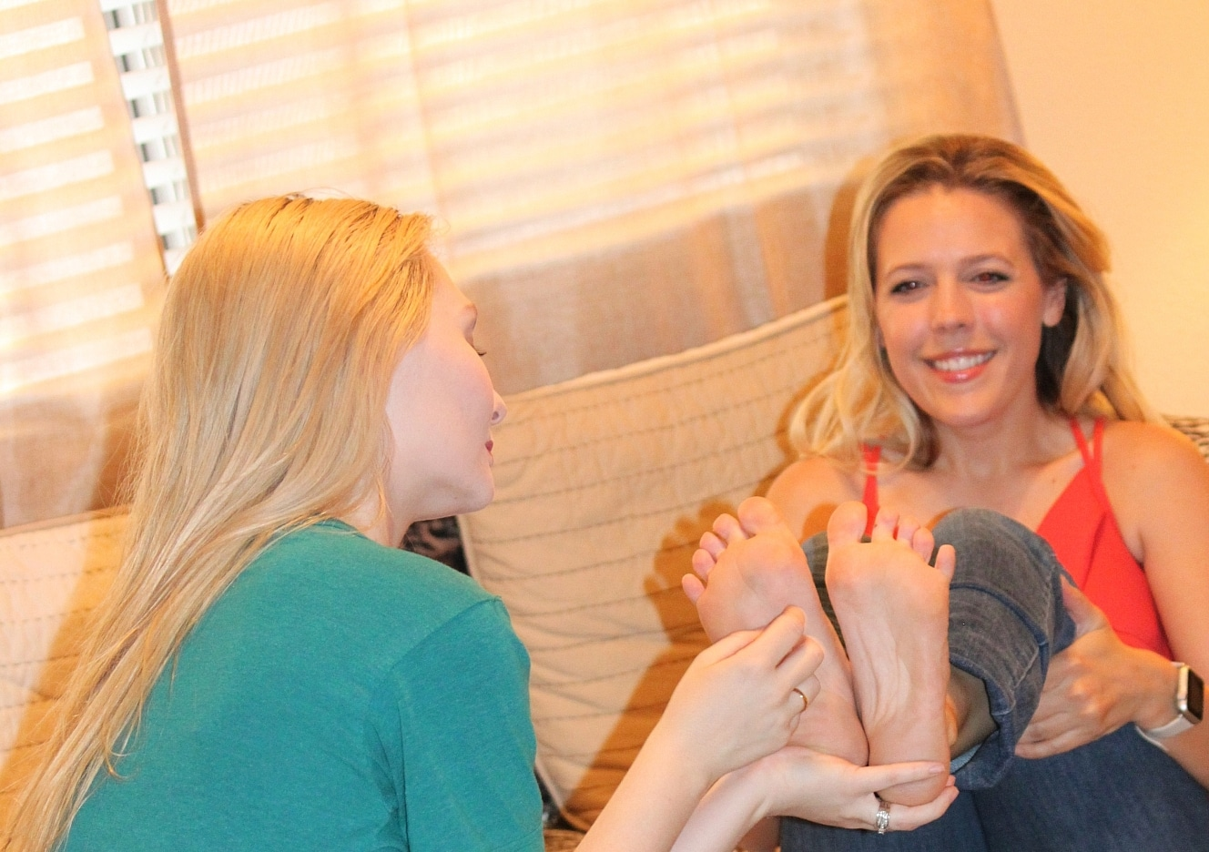 content/mistress-jessica-gets-foot-worship-and-tickle-part-2/0.jpg