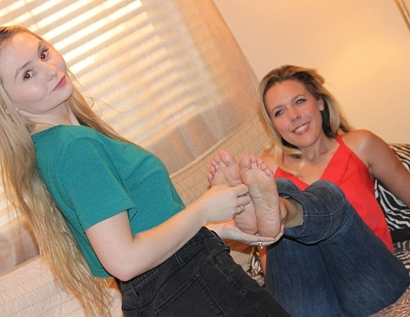content/mistress-jessica-gets-foot-worship-and-tickle-part-2/2.jpg