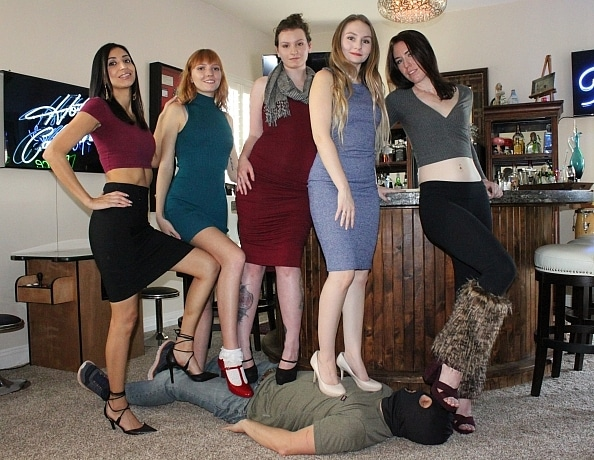 content/the-5-girl-trampling-record/1.jpg