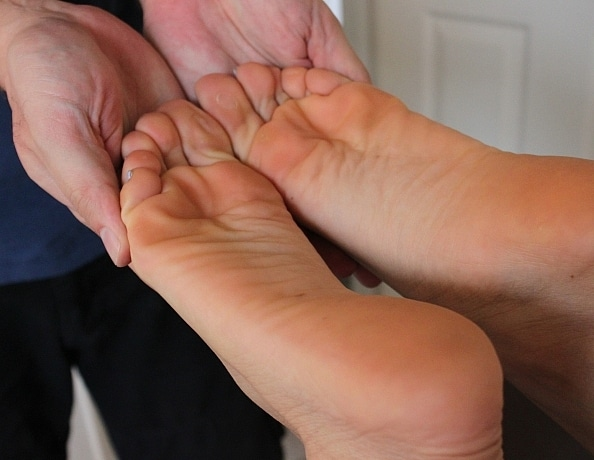 content/vixys-oiled-foot-massage/1.jpg